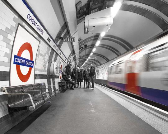 London v črno rdeči